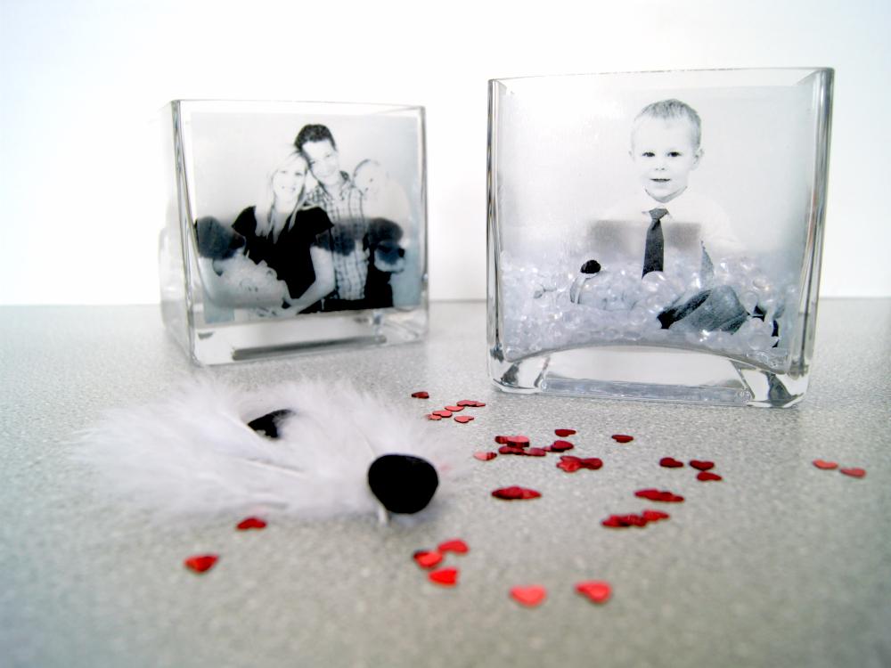 Kerzenglas mit Fotos bekleben und schön dekorieren. Die schönen Andenken geben tolle Geschenke für die Familie. | von Fantasiewerk