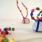 Steinskulpturen: Mit Basteln das Selbstvertrauen des Kindes stärken