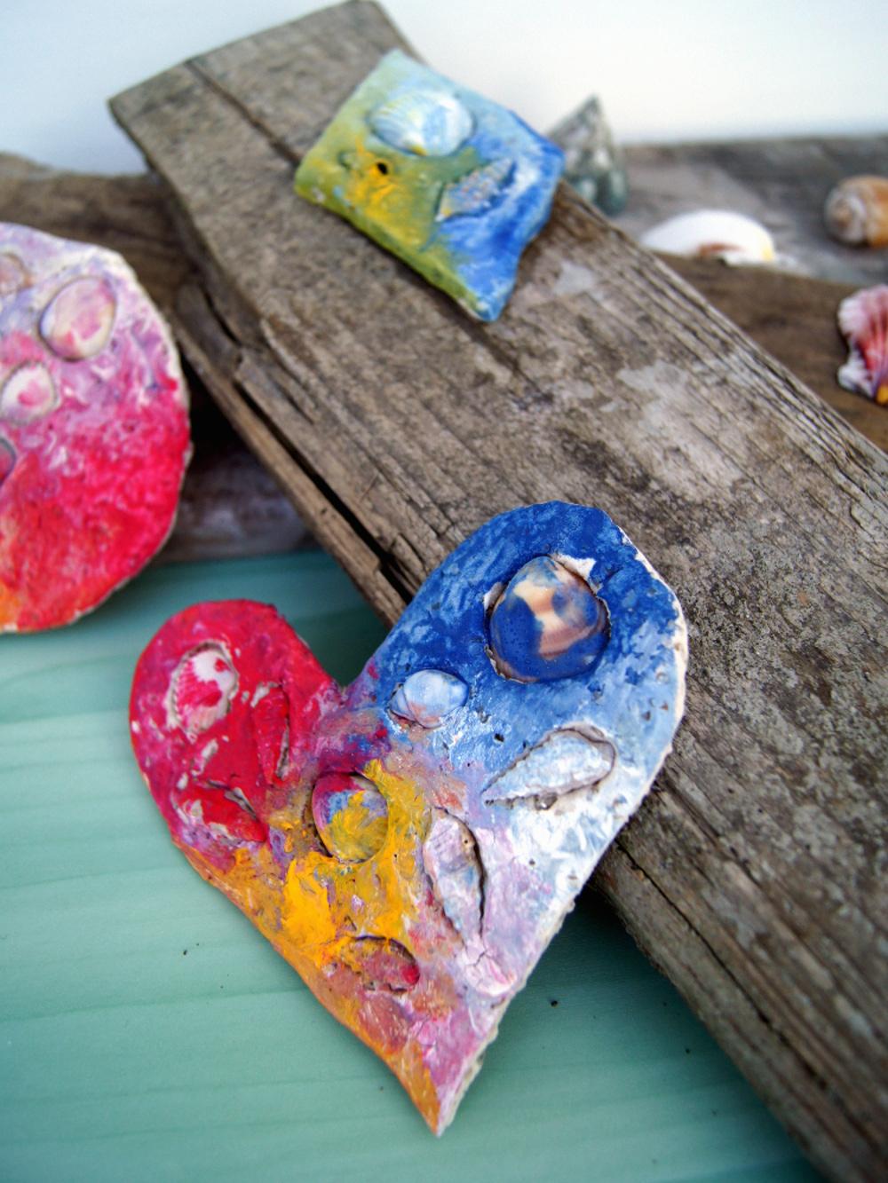Basteln mit Kindern - Salzteig mit Muscheln verzieren und farbig bemalen. | von Fantasiewerk