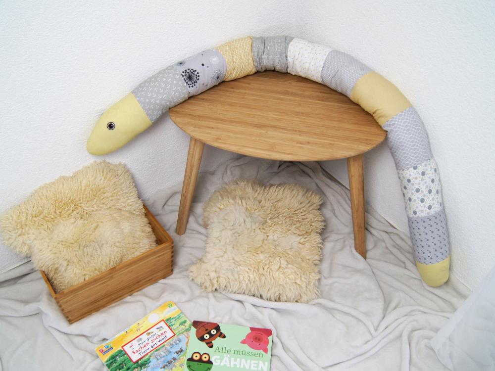 Kuscheltier Schlange selber nähen. Schritt für Schritt Anleitung und viele Nähtipps inklusive. Ein wunderschönes DIY für Kinder und Babys von Fantasiewerk