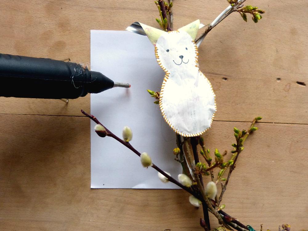 Upcycling-Projekt: Wie aus einem Quetschbeutel ein Osterhase wird I www.fantasiewerk.ch