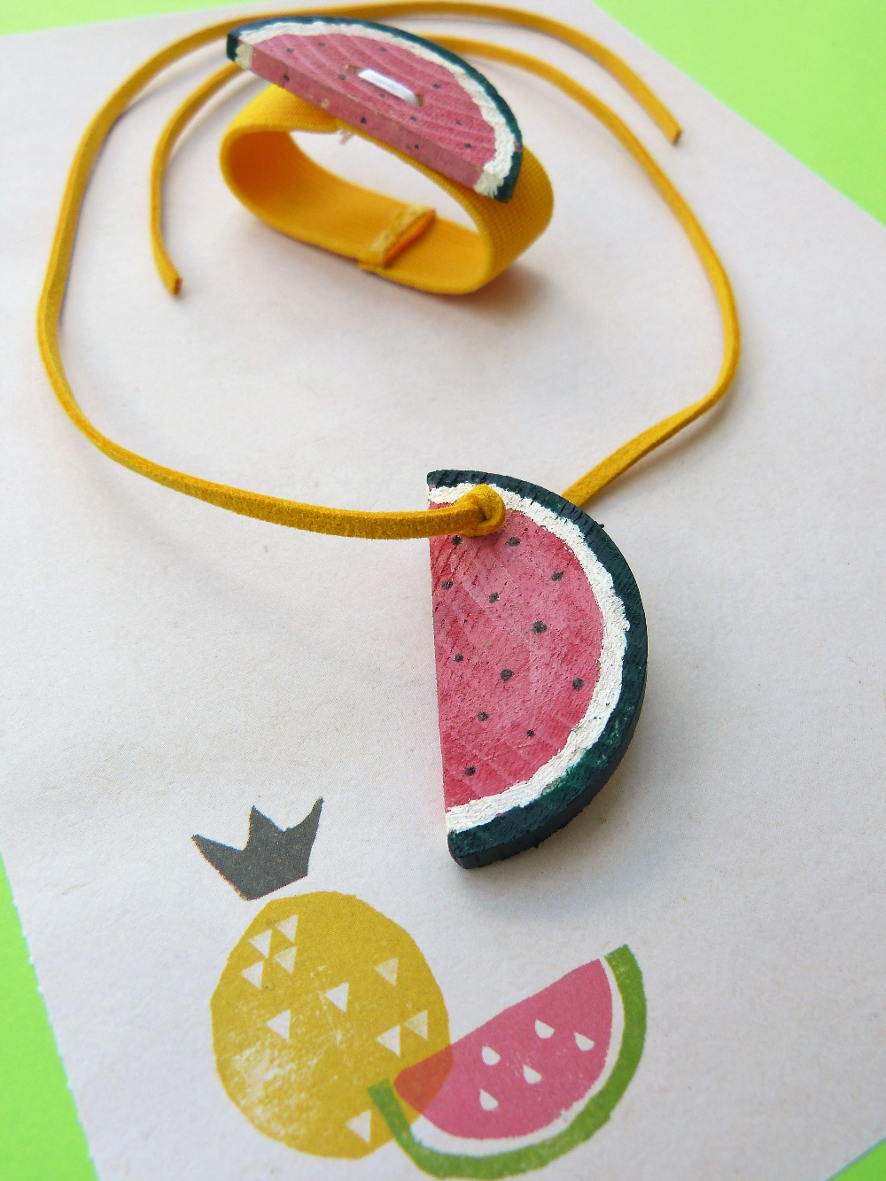 Anleitung | Wassermelonen - Schmuck für Kinder selbstgemacht aus Holz | www.fantasiewerk.ch
