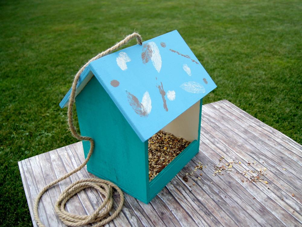 anleitung ein vogelhaus aus holz selbermachen basteln und werken mit kindern von. Black Bedroom Furniture Sets. Home Design Ideas