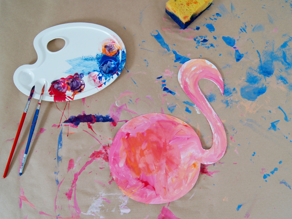 Flamingo basteln mit Kindern für | Malen und kleben als Dekoration für den Kindergeburtstag | von Fantasiewerk