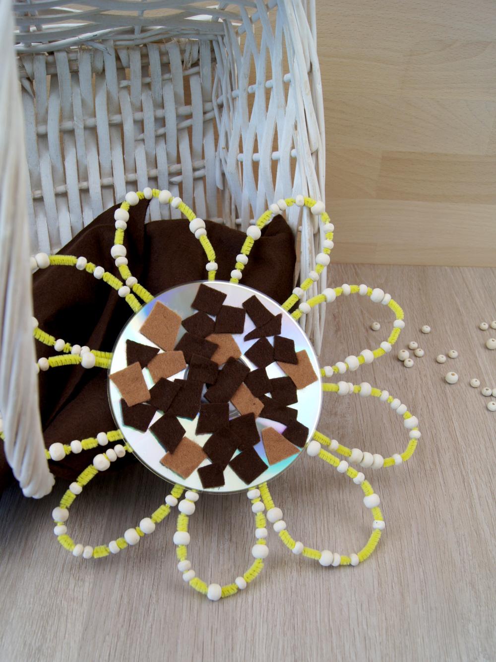 Anleitung: Eine Sonnenblume aus einer CD gestalten | Upcycling und basteln mit Kindern | von Fantasiewerk #bastelnmitkindern #upcycling #kidscraft