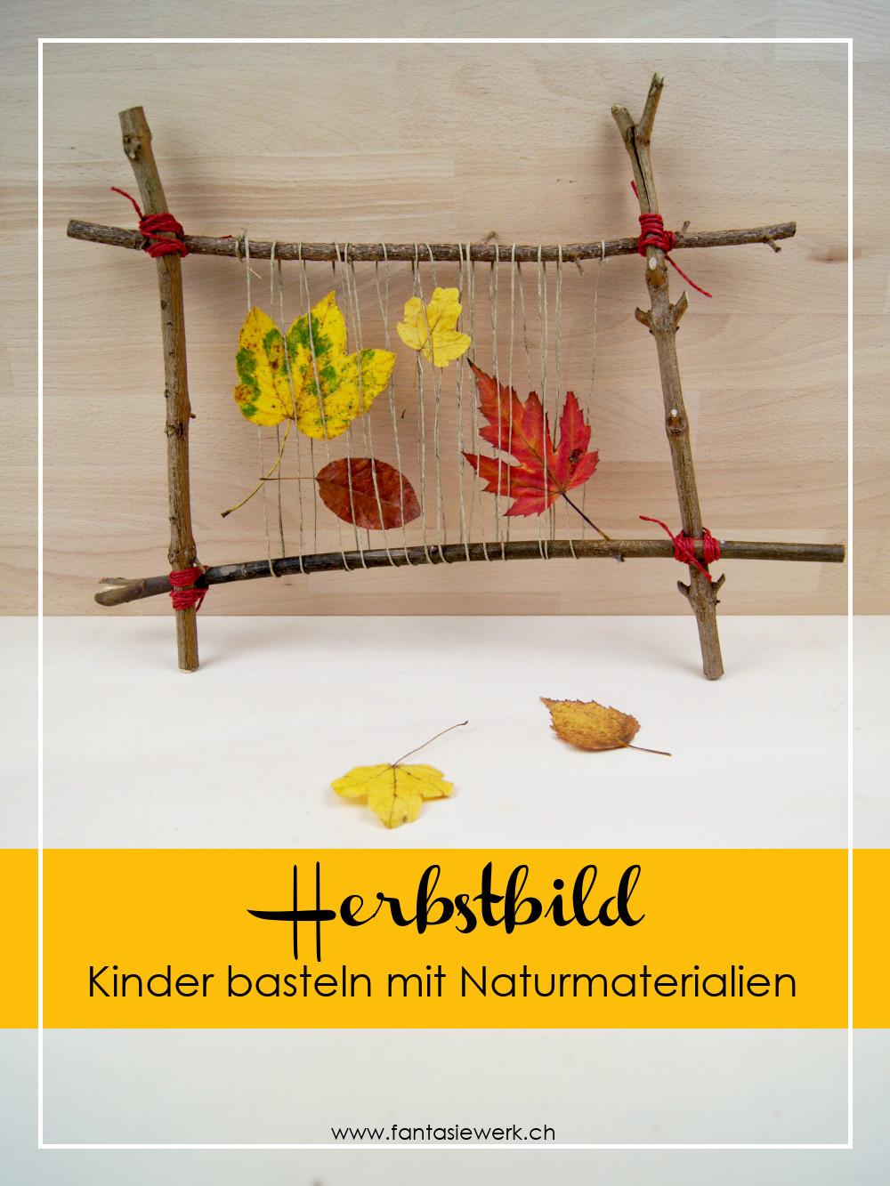 Anleitung: Herbst - Gesteck aus Ästen und Laubblättern basteln | Kinder entdecken Naturmaterialien und gestalten mit ihnen ein kreatives herbstliches Bild | Fantasiewerk | #naturmaterialien #bastelnmitkindern