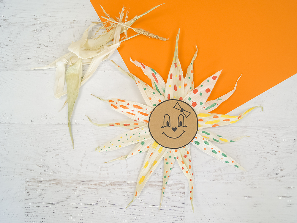 Herbstgesicht   Basteln mit Naturmaterialien und Farben im Herbst   Kreativ mit Kindern   von Fantasiewerk