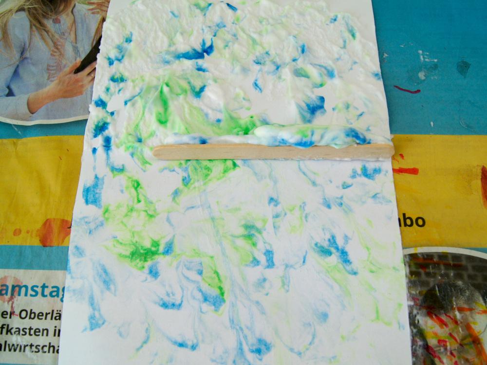 Planeten marmorieren mit Rasierschaum und Farbe - Sonnensystem spielend und kreativ lernen | #bastelnmitkindern #malenmitkindern | von Fantasiewerk