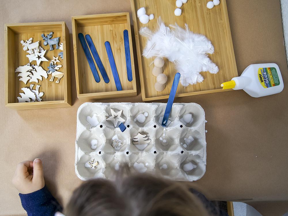 Weihnachtssstadt aus Eierkarton - Basteln und Spielen mit Kindern zum Thema Weihnachten, Advent und Christkind | #bastelnmitkindern | von Fantasiewerk