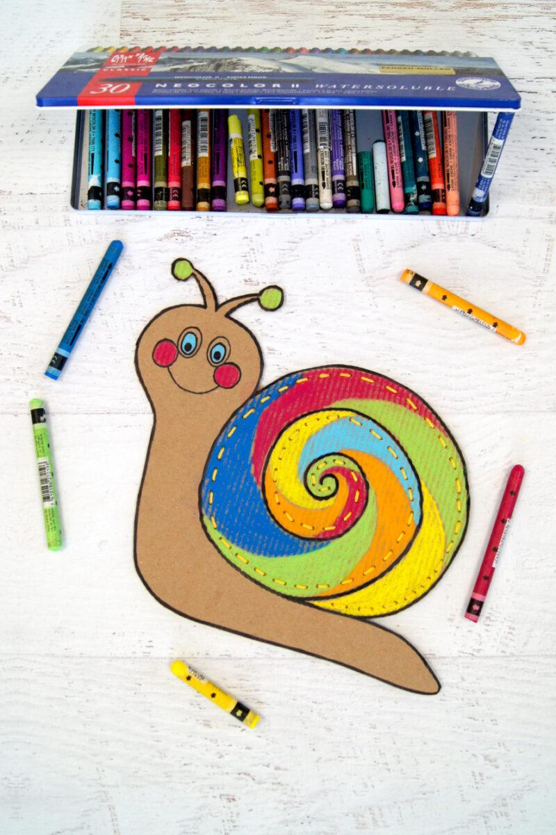 Schnecke aus Karton malen und sticken mit Kindern | Vorstich nähen | #bastelnmitkindern #handarbeit | von Fantasiewerk